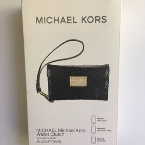 MICHAEL Michael Kors Wallet Clutch for Iphone 5